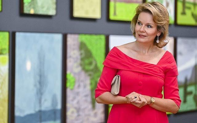Diane von Furstenberg long sleeves fuchsia wrap dress. Armani exchange dress