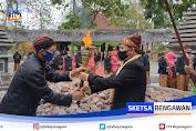 Prosesi Ritual Pengambilan Api Abadi Sambut Hari Jadi Bojonegoro Ke 344