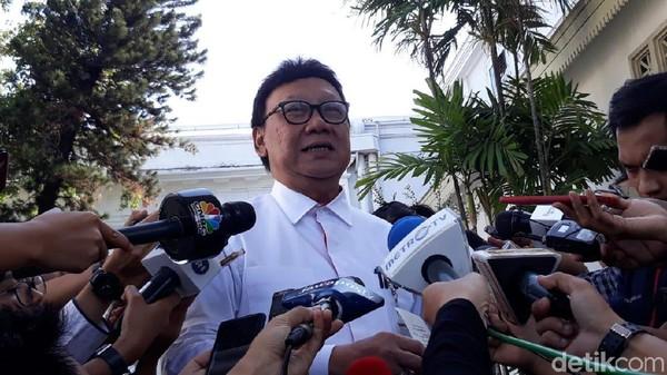 Menteri Tjahjo Minta Maaf Sempat Unggah Foto Hoax Tol Cisumdawu