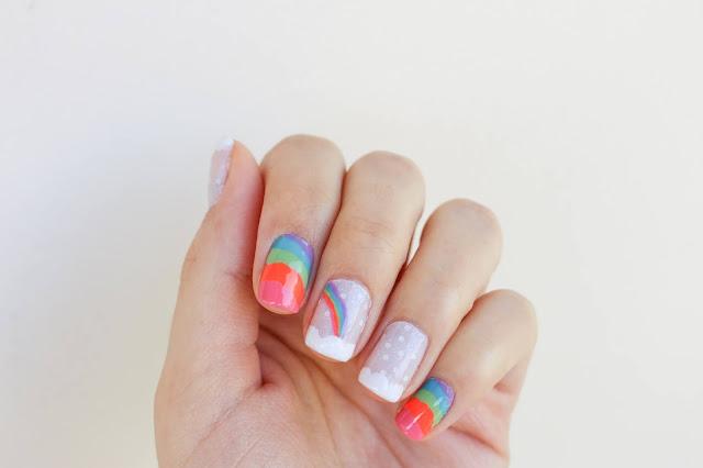 Unha da semana: nail art arco-íris!