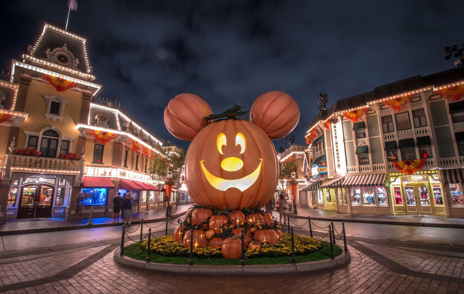 california-halloween-celebration-uptodatedaily