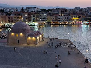 Chania harbor and the Kyuchuk Hassan Mosque.