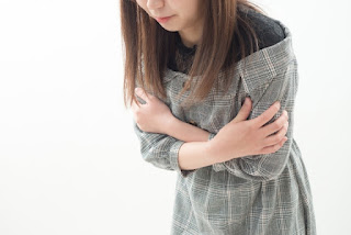 自律神経が乱れて冷えを感じている女性