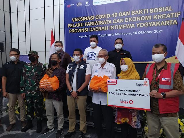 Lazismu Bersama Alfamart Berikan Bantuan di Hadiri Menparekraf