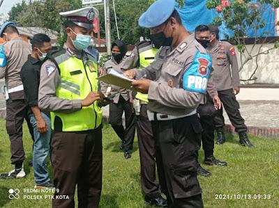 Personil Bidpropam Polda Kalbar Melaksanakan Gaktiblin Di Halaman Mako Polsek Pontianak Kota