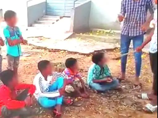 बेंगलुरु के सरकारी स्कूल में मासूमों पर कहर :10 से 13 साल के बच्चों को पेड़ से बांध बीड़ी पीने को मजबूर किया, 6 गिरफ्तार