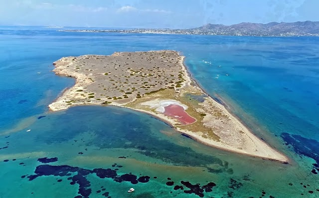 Μετώπη – Η μικροσκοπική νησίδα στον Σαρωνικό με τους εκατοντάδες ιδιοκτήτες
