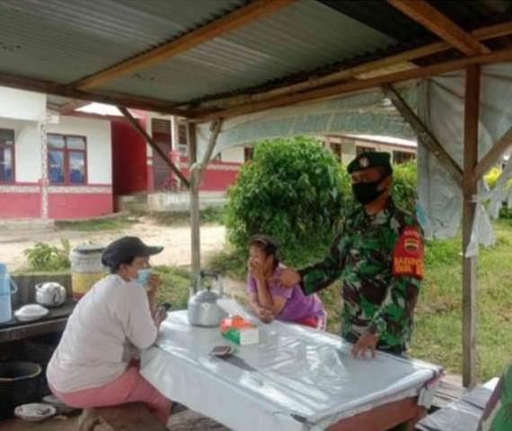 Berikan Himbauan Tetap Pakai Masker Kepada Masyarakat Dilakukan Personel Jajaran Kodim 0207/Simalungun