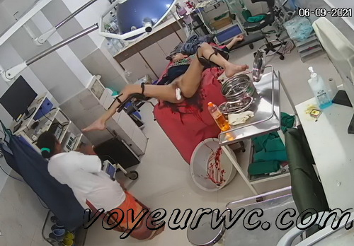 Women caught on spy cam in the maternity hospital (Indian maternity hospital 02)