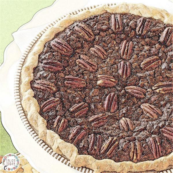 Velvety Chocolate Butter Pecan Pie 🥧